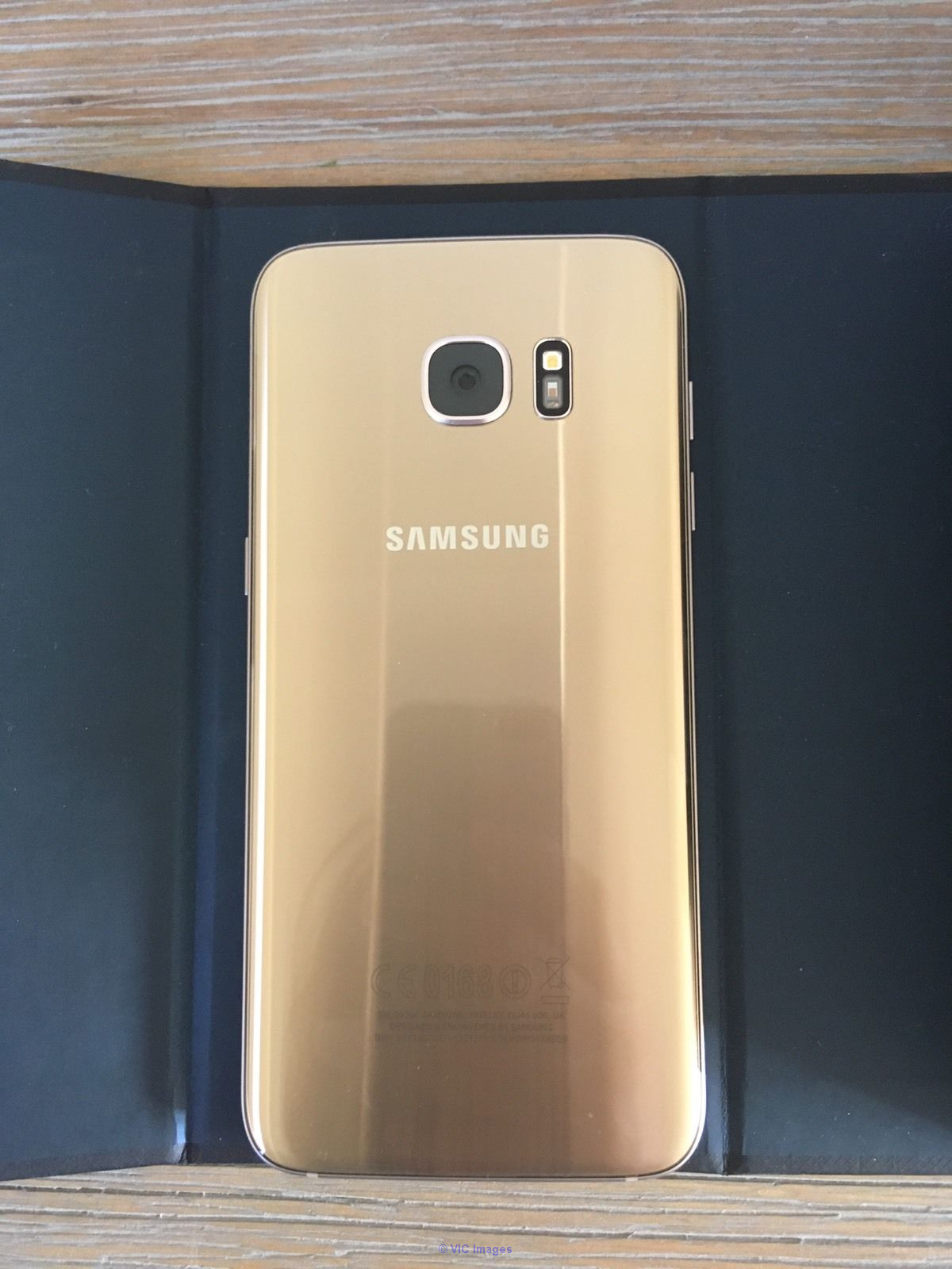 SAMSUNG GALAXY S7 EDGE GOLD SMARTPHONE FOR VERY CHEAP PRICE! ottawa